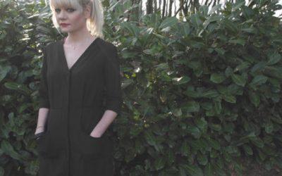 Emilie, les chaussettes à moumoute et la robe Eve..